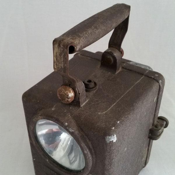 LAMPE TYPE FANAL WONDER EN MÉTAL 2