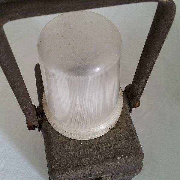 LAMPE WONDER TYPE TYPHON SNCF 3