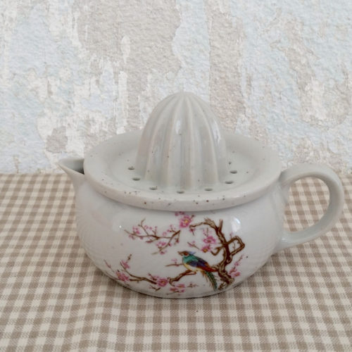 Presse agrume de table en porcelaine