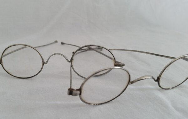 Besicles et lunettes anciennes en métal 2