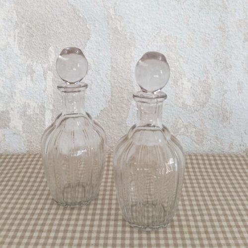 Flacon en verre strié années 50
