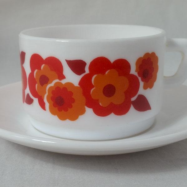 Cafetière et tasses Arcopal Lotus 3