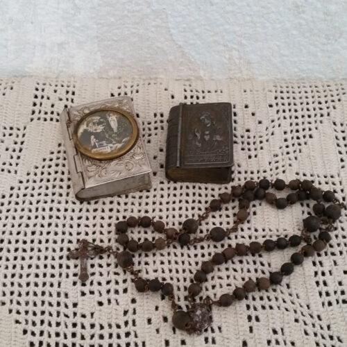 Boites à chapelet métal anciennes